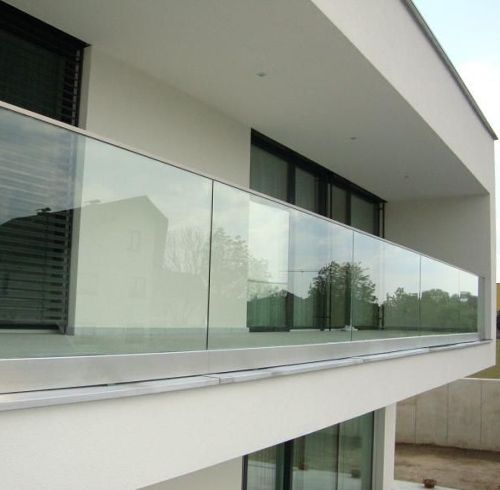 glass fencing for balcony and deck rails installation